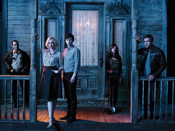 Bates motel cast poster | Bates Motel » La saison 2 en DVD et Blu-Ray le 15 décembre 2014: