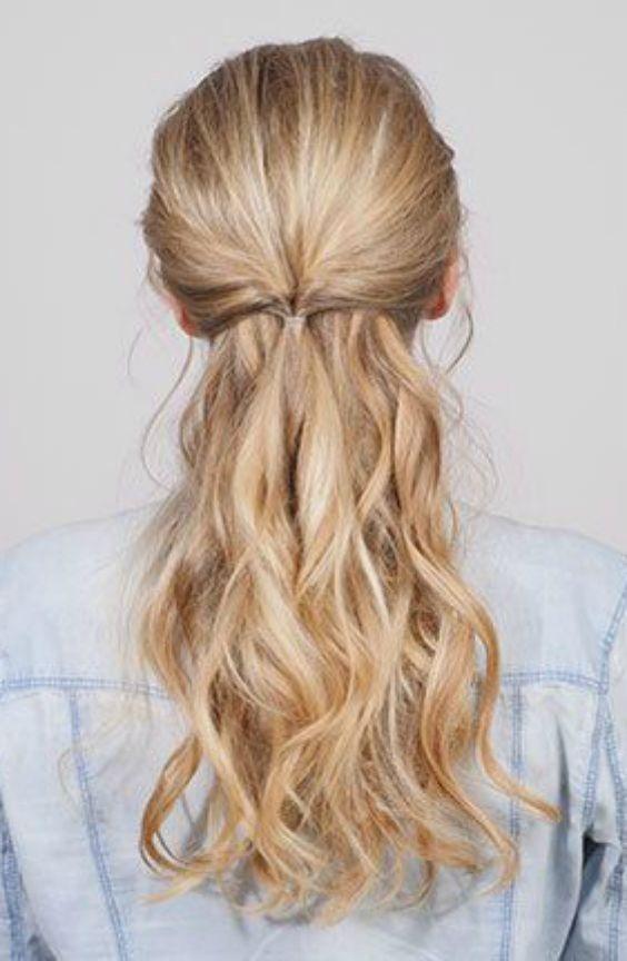 Zwei Ultimativ Romantische Frisuren Fur Den Valentinstag Romantische Frisuren Frisuren Kurze Haare Flechten Frisuren