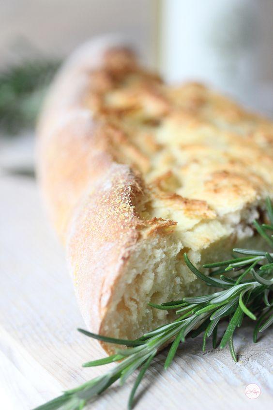 Walnuss Kartoffel Brot potato bread with walnuts and rosemary looks great