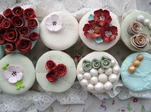 vintage cupcakes!