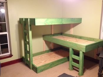 Triple Bunk Bed Plans - very cool... if my boys all want to share a room one day