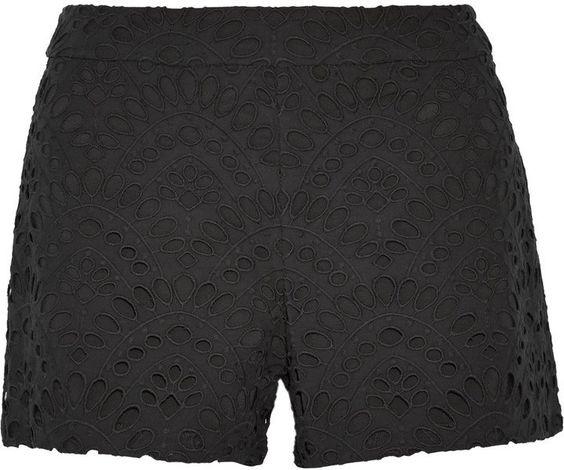 Pin for Later: 13 perfekte Shorts für den Sommer, die nicht aus Jeans sind  Alice + Olivia Eyelet Shorts (310 €)