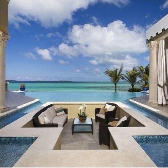Integrated Pool Lounge
