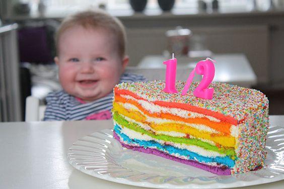 Rainbowcake. regenboog laagjes taart. Een halve taart voor een halve verjaardag:)