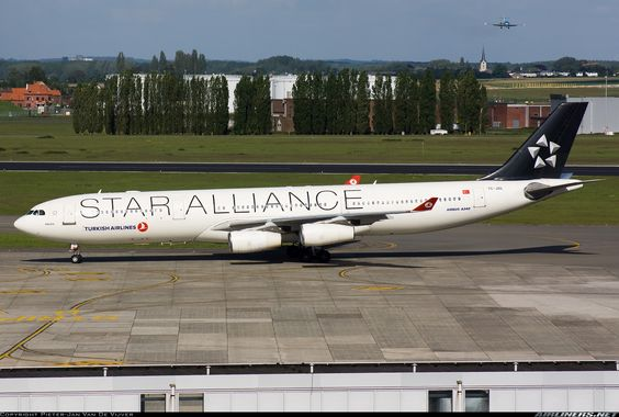 Star Alliance (Turkish Airlines) Airbus A340-311