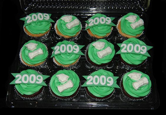 Green and White High School Graduation Cupcakes by Simply Sweets, via Flickr: Graduation Cupcakes, High School Graduation, Route Graduation, Sweet Route Cupcakes, Simply Sweets, High Schools