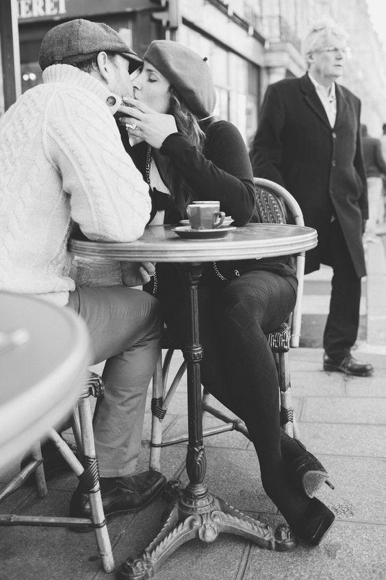 Eclectic Paris couples shoot | Rhianne Jones : Paris Photographer #paris #cafe