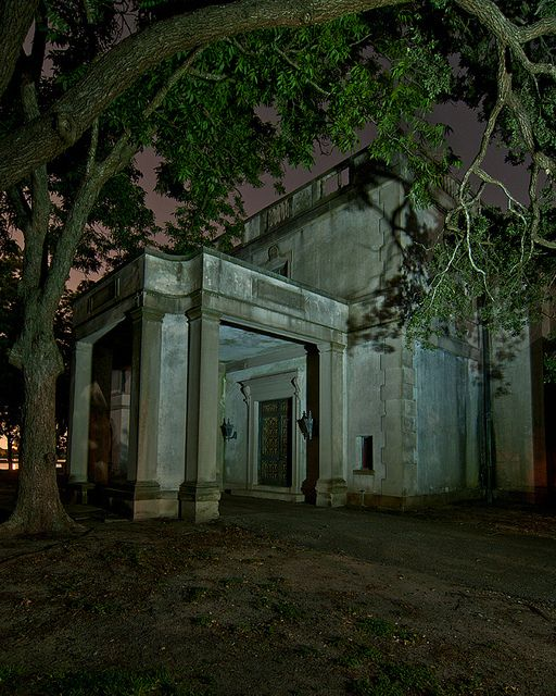 Abandoned Places Of Texas: The Back Entrance To The Sprawling Semi-abandoned