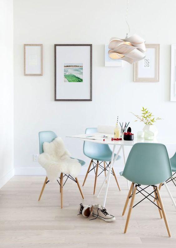 chaise eames et peau de mouton la parenth se d co deco pinterest pastel design et eames. Black Bedroom Furniture Sets. Home Design Ideas