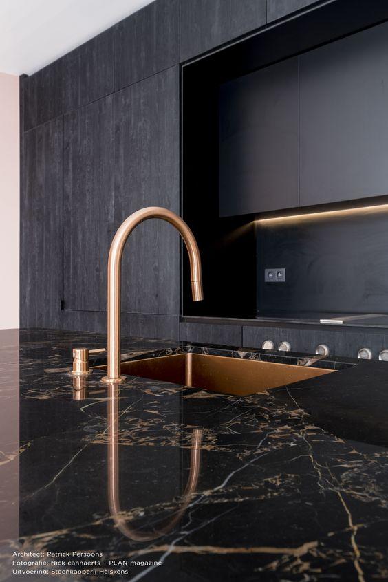 Beltrami natuursteen/ Natural Stone  Breccia Portoro - Kitchen - Worktop