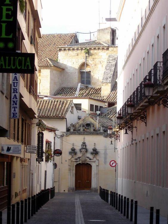 Córdoba - La Juderia  - photo: Robert Bovington  #Cordoba #Andalusia #Spain #España   http://bobbovington.blogspot.com.es/