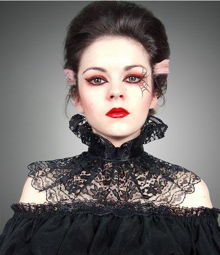Love the Goth makeup & hair streaks!