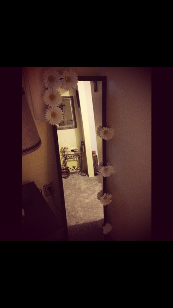 I love doing DIY projects! My mirror is so adorable