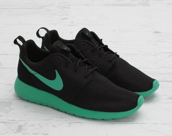 Nike Roshe Run / Black/Stadium Green  My lovely running mate :)