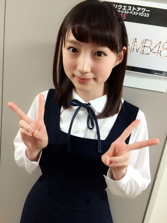 制服姿の太田夢莉