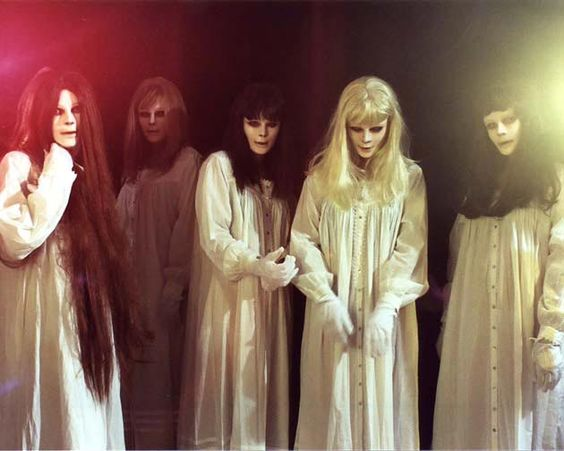 five spirit girls