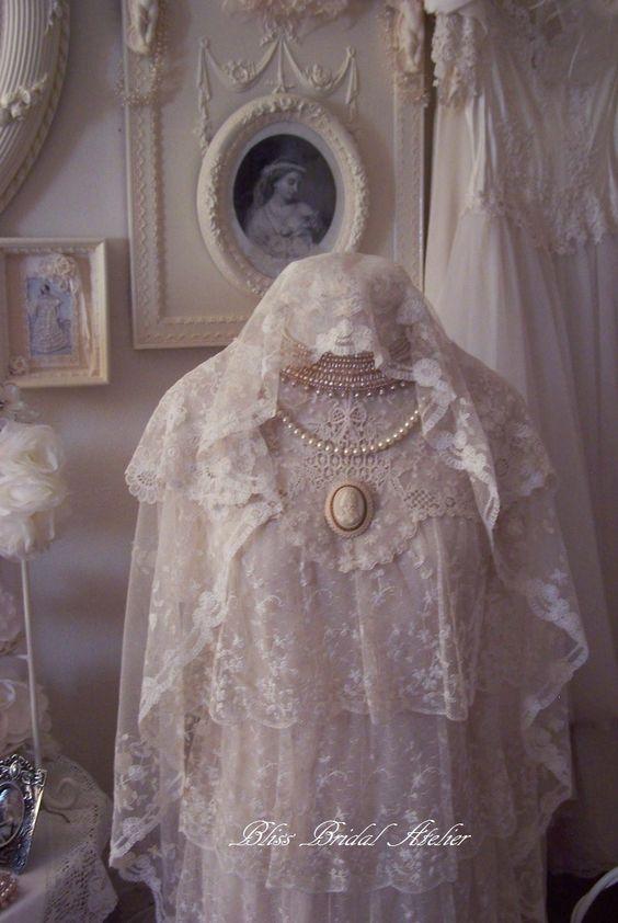 Vintage Wedding Dresses And Veils 32