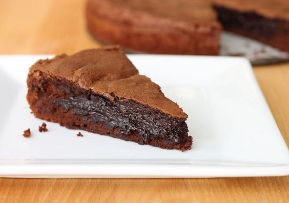 {molten dark chocolate brownie cake} I just died & went to brownie heaven.