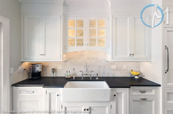 Best Creating A Strong Contrast To The White Backsplash And 400 x 300