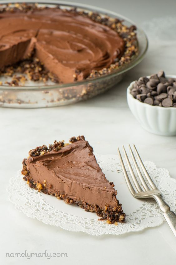 You'll love this sultry Vegan Chocolate Pie with Pecan Crust made with less than 10 ingredients and ready before you know it!: