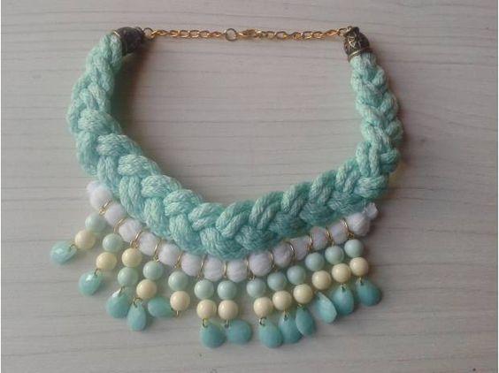 Collares y accesorios de moda para mujer
