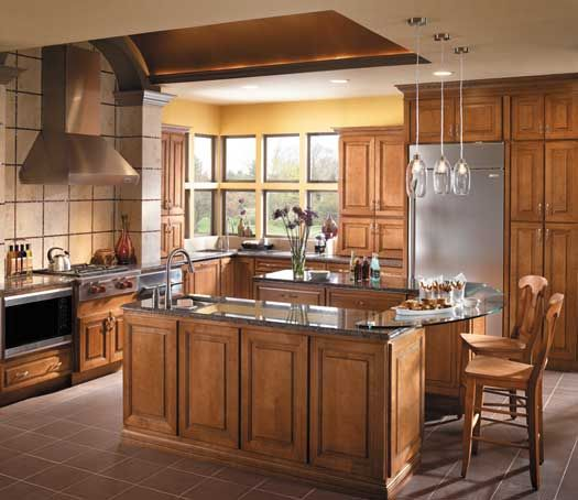 Starmark Cabinetry Sonoma Door Style In Maple Finished In Caramel With Chocolate Glaze Kitchen Cabinet Layout Kitchen Redesign Hickory Kitchen Cabinets