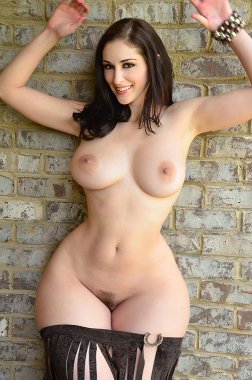 Thick sexy nude lady