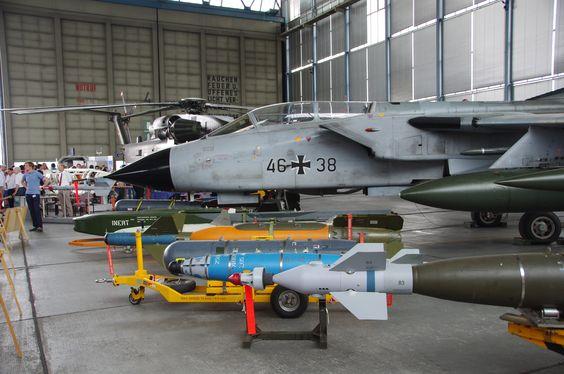 Luftwaffe Panavia Tornado with armament displayed at Tag der Bundeswehr 2015 in Manching [4288x2848] [OC]