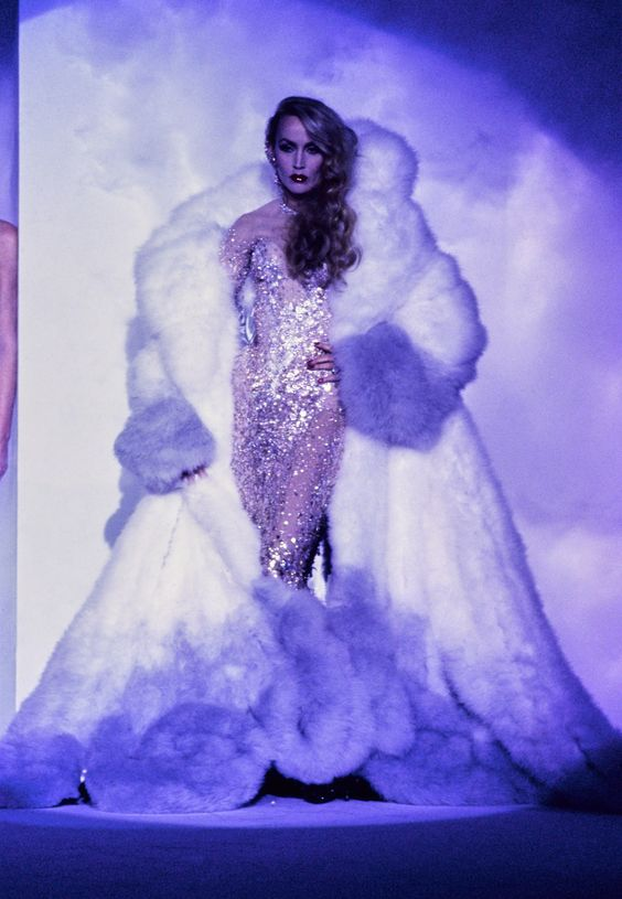 Mugler Fall 1995 Couture Fashion Show - Jerry Hall