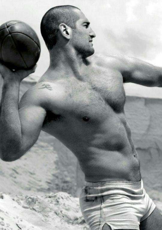 #hot guy #sexy men #gay #muscled guy #bulge #gay bear