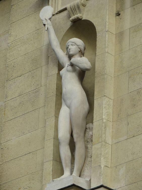 LOMBARD, Henri (1855-1929) - la Vérité - .1914  Statue, marbre (après restauration)     Palais de Justice - Paris