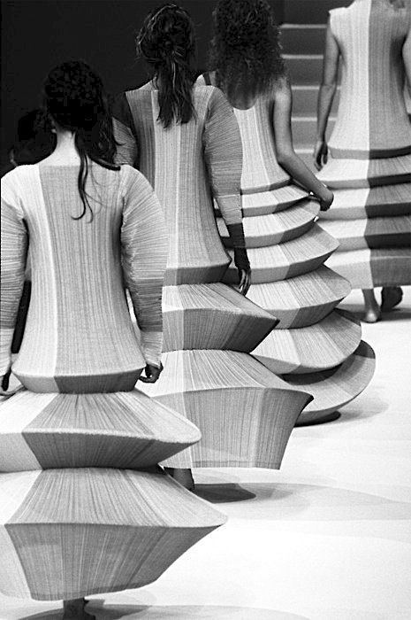 """Sculptures on the Runway - """"Minaret"""" dresses with exaggerated circular shapes - 3D fashion construction; wearable art // Issey Miyake"""