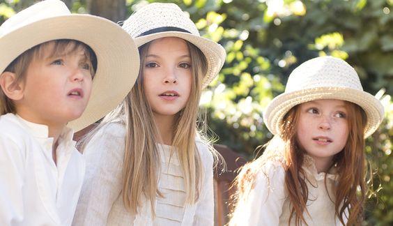 Ropa infantil por encargo especializada en vestidos para ceremonia y Primera Comunión