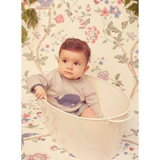 LOOK BABY 23