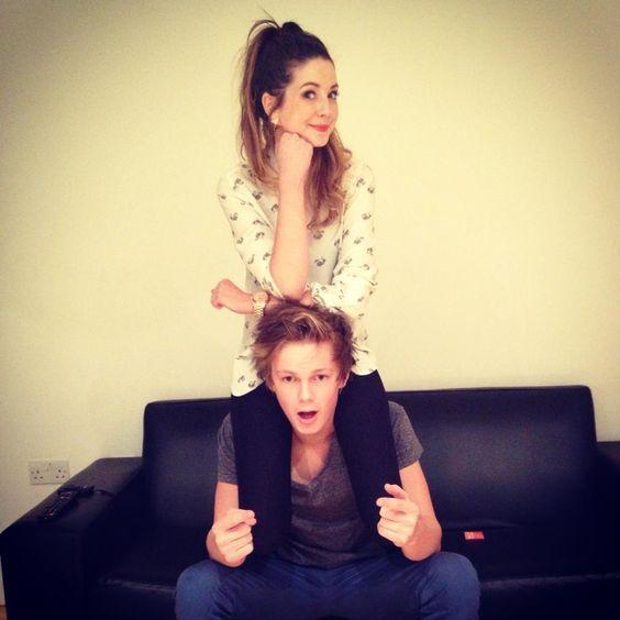 Zoella and Caspar Lee would make a cute couple but im ...