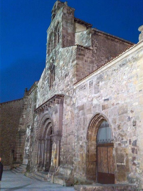 Fachada de la iglesia de los Padres Franciscanos.