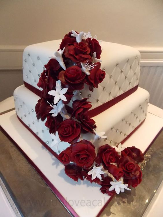 wedding cake ideas burgundy burgundy wedding cake food amp drink that i 22906
