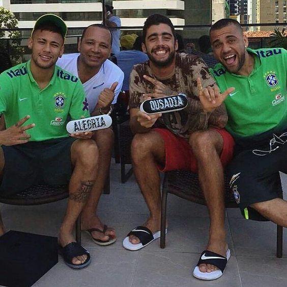 #Neymar  (25.03.2016)  #Repost @pedroscooby ・・・ Esse é o nosso lema  @neymarjr @neymarpai_ @danid2ois