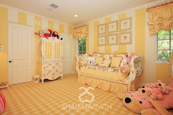 We love a bright nursery, especially this darling, classic yellow nursery from @Shalena Smith!