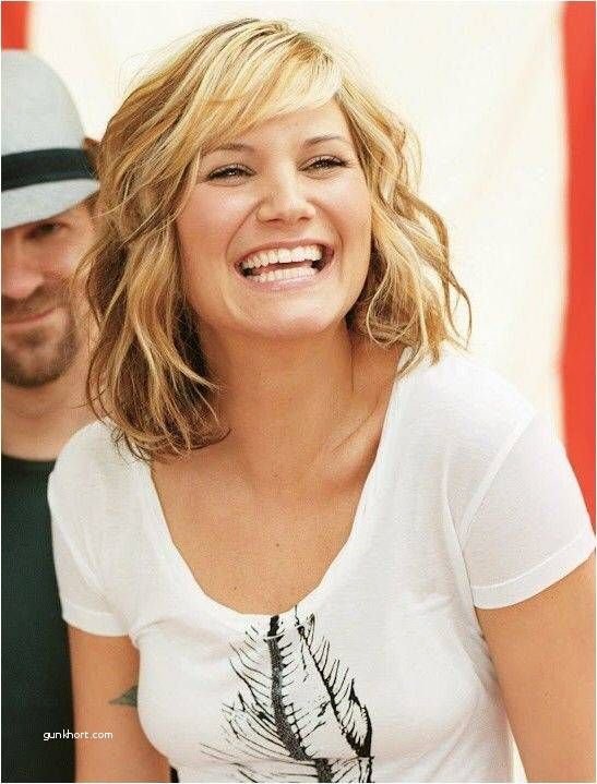 Curly Hairstyles Quotes Curly Hairstyles For Over 50s Curly Hairstyles With Shaved Side Jennifer Nettles Hair Medium Hair Styles Curly Hair Styles Naturally