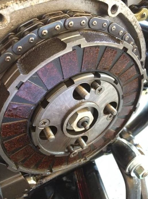 Causes Of Clutch Failure How Long Will A Noisy Clutch Release Bearing Last Clutch Car Maintenance Car