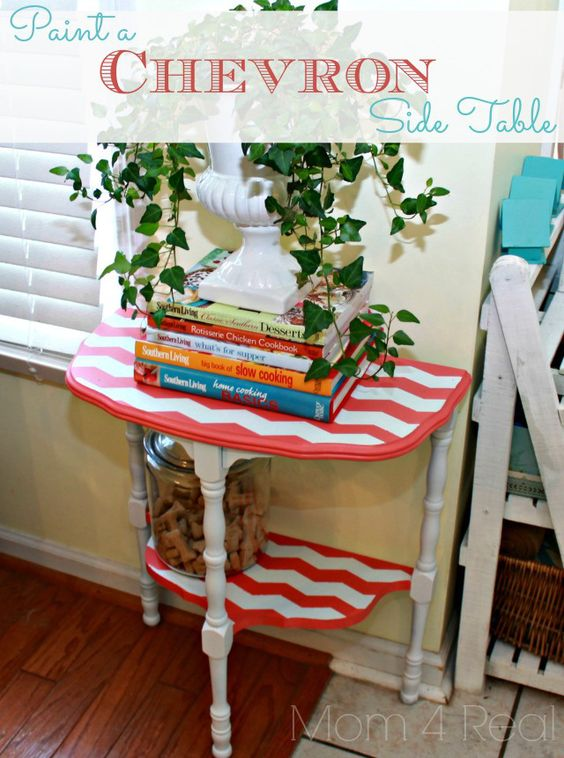 Paint a Chevron Side Table with Mom 4 Real: Furniture Makeover, Chevron Side, Painted Furniture, Diy Crafts, Diy Furniture, Painting Furniture, Furniture Ideas, Painted Side Tables