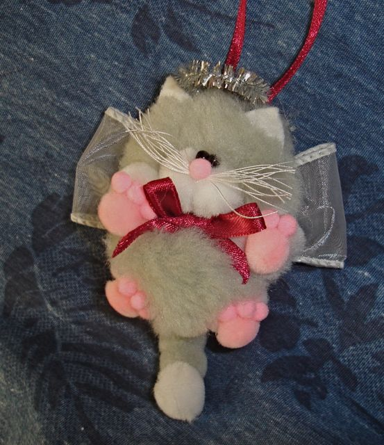 Homemade cats and homemade christmas on pinterest for Cat christmas ornaments craft