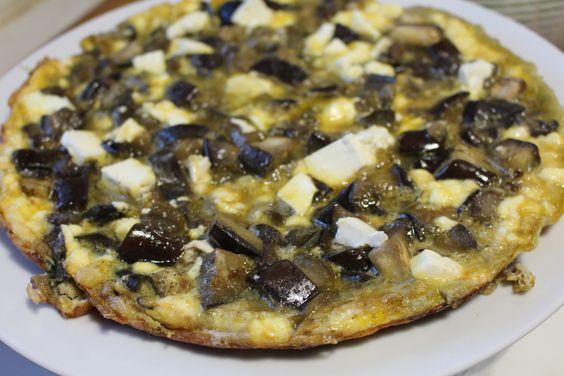Pour 4 personnes : 8 oeufs / 2 aubergines / 200 g de feta / 1c. à café de cumin / huile d'olive / sel et poivre. Laver et taillez les aubergines en dès en conservant la peau. Saler et faire rvenir...