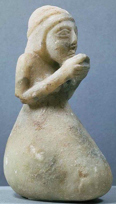 TDO 6 - Statuette d'orante  Epoque d'Uruk récent ou Suse II - ~3300 avant J.-C.  Suse Albâtre H= ? Paris, mdL.
