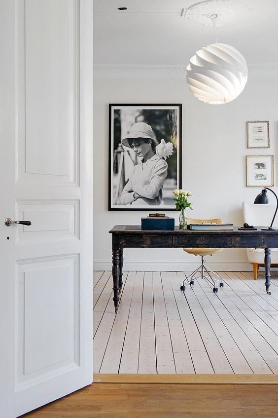 Inspiração para o Home Office - só o essencial e que a sua criatividade preencha o seu dia!