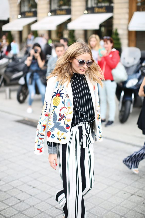 "Style Code Live on Twitter: ""Olivia Palermo @OliviaPalermo outside the @Schiaparelli show proving more is more #ParisCoutureWeek #StyleCodeFW https://t.co/PBooWRJjKS"""