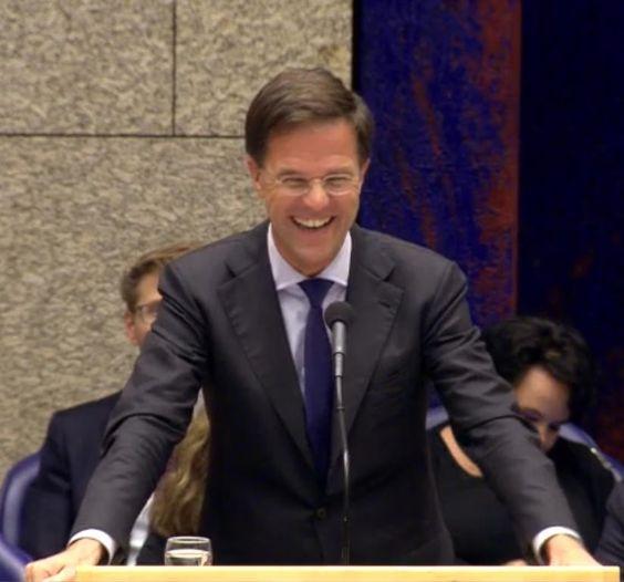 Er valt niet veel te lachen, maar het lukte Rutte en Pechtold gisteravond tijdens de Algemene Beschouwingen toch. Het onderwerp: het peperdure onderhoud van Beatrix' schip De Groene Draeck.: