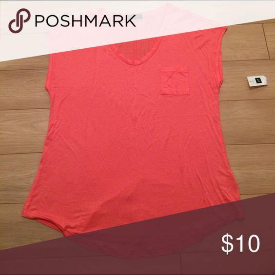 NWT Gap Tee Never worn short sleeves tee from the GAP. Perfect for warmer weather. Bright pink. GAP Tops Tees - Short Sleeve