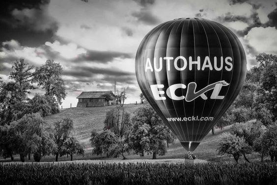 Backyard Baloon - http://ramsner.photography/portfolio/set-mobile-world-backyard-baloon/  Heißluftballone strahlen Ruhe und Frieden aus. Sie sind ein anmutiges Symbol vergangener Pioniere, die sich mutig in die Lüfte erhoben haben um uns einen neue Form der Fortbewegung zu ermöglichen.